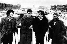 Après le suicide de Ian Curtis, le groupe  Joy Division  va changer de nom, quel nouveau nom va prendre le groupe ?