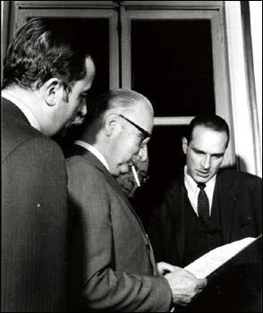 Parmi ces affirmations sur Georges Pompidou, l'une est fausse (photo Pompidou entre les jeunes Edouard Balladur et Jacques Chirac (source : la Documentation Française).)