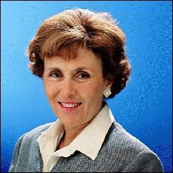 Qui est la première femme nommée Premier ministre par F. Mitterrand de 1991 à 1992 ?