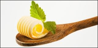 C'est pour remplacer le beurre rare et cher que la margarine fut inventée par un pharmacien de Draguignan suite à un concours organisé en 1866, par ….