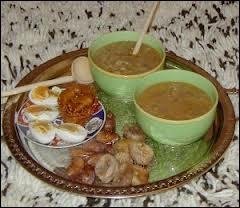 Une soupe marocaine est souvent le plat principal pour la rupture du jeûne du Ramadan. Quel est son nom ?