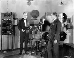 Les frères Auguste et Louis Warner sont les inventeurs du cinématographe ?