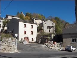 A Roquefort-de-Sault, les habitants portent le nom de ...