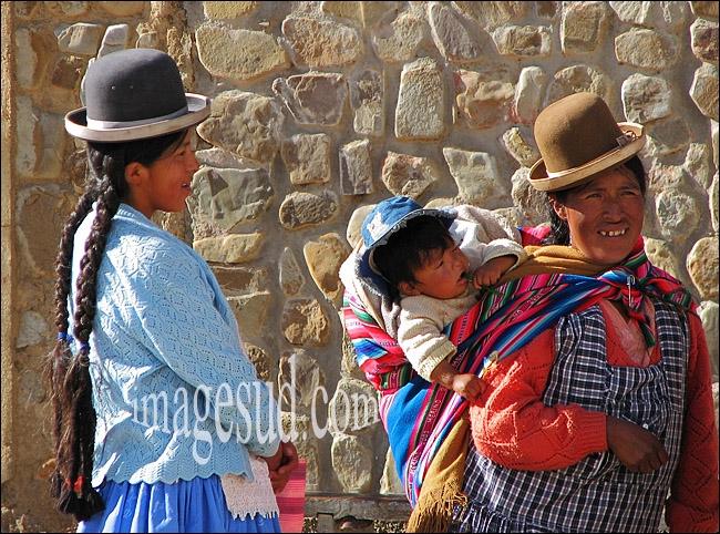 Reprenons la route. J'ai envie de découvrir la Bolivie. Ouf, heureusement que l'on m'évite la montée vers les sommets de l'(... )