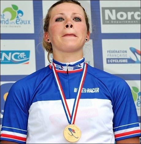 C'est l'actuelle (2012) championne de France sur route. Cette cycliste s'appelle :