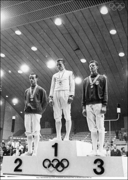 Trois fois champion de France, deux fois champion du monde et médaillé d'or aux Jeux olympiques de Mexico en 68, Daniel Revenu était :