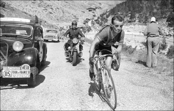 En 1950, il fut le 1er champion du monde de cyclo-cross, après avoir été champion de France de la discipline en 1945. Quel était le prénom de celui que la foule encourageait en criant  vas-y Robic  ?