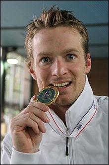 Charles Rozoy vient de remporter une médaille d'or en natation, aux 100m papillon. A quelle occasion ?