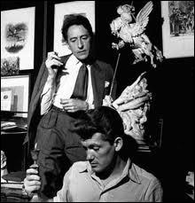 Il eut comme amant Jean Marais. Adepte de l'opium, génie touche à tout, ouvertement homosexuel ce qui ne l'a pas empêché d'avoir des aventures avec des femmes. C'est :