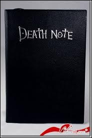 La langue des règles du Death Note changent en fonction du pays ou il se situe (ex : le cahier est en France, les règles sont françaises).