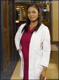 De qui est-elle tombée amoureuse dans la saison 3 ?