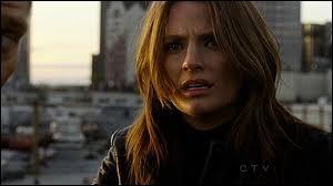 Pourquoi le lieutenant Beckett a-t-elle voulut être flic ?