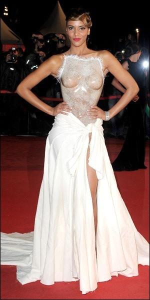 De quel couturier était la robe qu'elle portait aux NRJ Music Awards ?