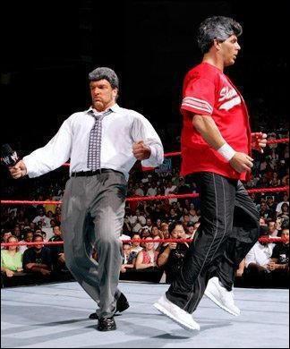 Qui sont ces superstars imitant les McMahon ?