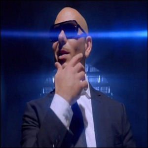 De quel film la chanson  Back In Time  de Pitbull est-elle la bande originale ?