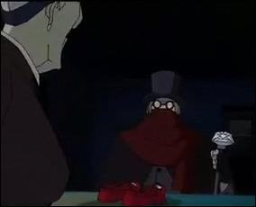 La scène de la première rencontre entre Mlle Trochu et l'homme à la canne d'argent révèle le caractère de la dame. Qu'est-ce que cette scène nous révèle sur cette dernière ?