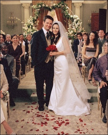 Qui marie Monica et Chandler ?