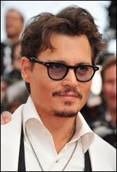 Il a joué dans ces films très connus comme Pirates des Caraïbes, Charlie et la chocolaterie, Alice aux pays des merveilles. .