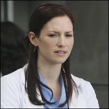 Dans la saison 06, que fait Lexie lorsqu'elle apprend que Sloane est la fille de Mark et qu'elle va s'installer avec eux ?
