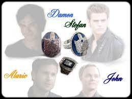Qui a donné à Katherine, Pearl, Anna, Damon et Stefan les chevalières qui leur permettent de marcher au soleil ?