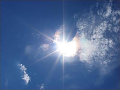 Je le sens bien ! Vous voilà transportés ! Quelle altitude frôlez-vous quand vous tutoyez un altocumulus iridescent ?