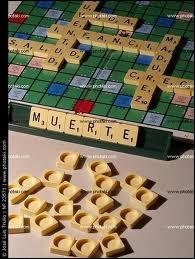 Jeu de lettres populaire avec 7 lettres sur un chevalet. Les mots comptent triple sur certaines cases ...