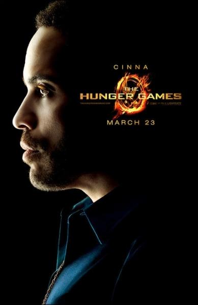 Comment s'appelle le styliste de Katniss ?