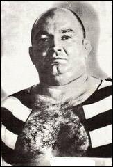 Sous quel nom de ring était connu Roger Trigeaud, catcheur très populaire des années 60 ?
