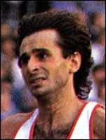 Cet athlète était spécialiste des courses de fond et fut champion de France du 1500 m plein air en 84-85-86 et 92. Il s'appelle :