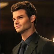 Quel âge a Elijah ?