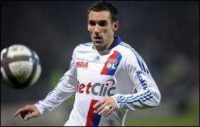 Défenseur qui compte une vingtaine de sélections en équipe de France :