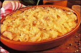 Délicieux gratin de pommes de terre avec du lait ou de la crème fraîche :