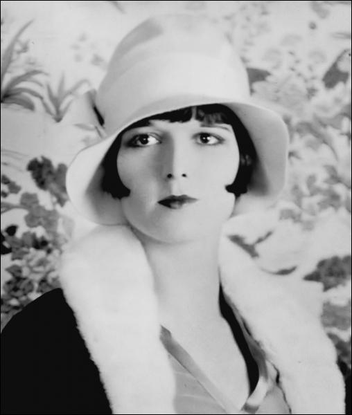 Belle actrice américaine, égérie du cinéma muet, qui se maria avec le réalisateur A. Edward Sutherland. Quelle est la signification du prénom Louise ?