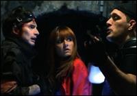 Combien de temps le visiteur, Judith et Matéo restent-ils coincés dans le laboratoire dans la saison 2 épisode 9 ?