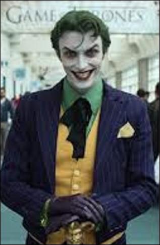 Comment s'appelle cet ennemi de Batman ?