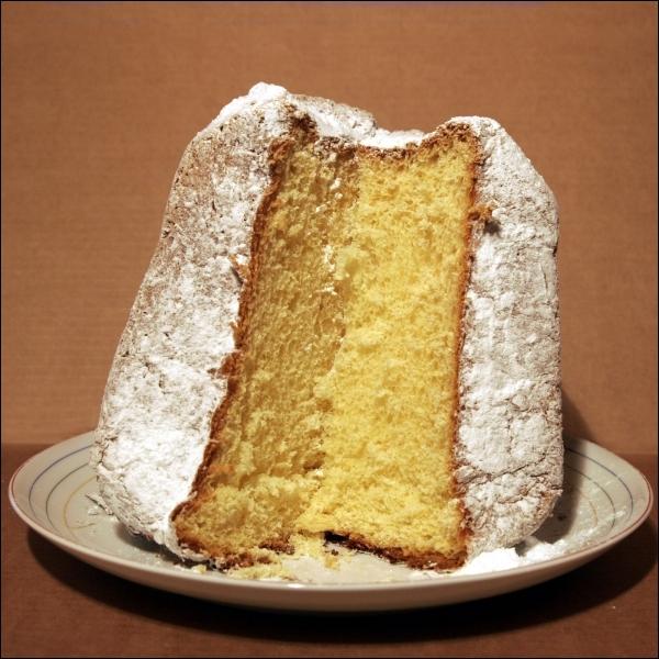 Apparu au XIXème siècle, c'est un gâteau de Noël véronais, dépourvu de toute garniture et simplement saupoudré de sucre glace :