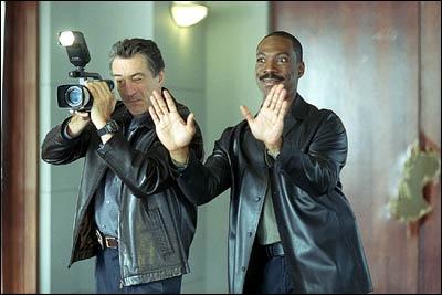 Dans quel film fait-il équipe avec Eddie Murphy ?