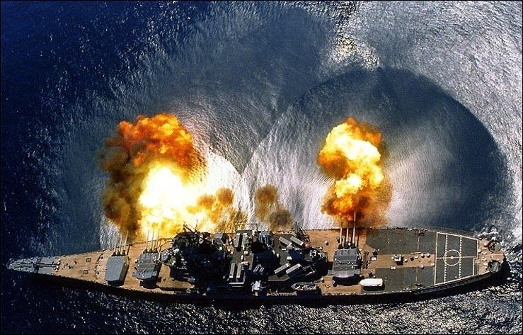 Cet impressionnant navire de guerre est un(e) ...