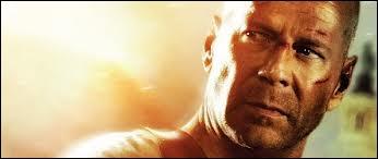 Dans ce film, John McLane (Bruce Willis) reprenait du service à l'aéroport de Washington Dulles contre toute une bande de terroristes.