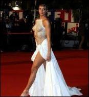 Au cours de quelle cérémonie a-t-elle fait sensation en apparaissant dans un bustier hyper sexy signé Franck Sorbier ?