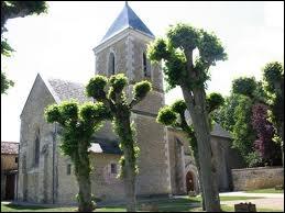 Quel est le nom des habitants de la commune de Charrais ?