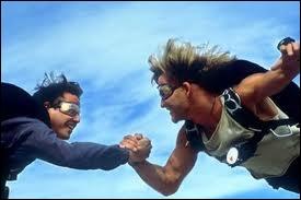 Quel film de 1991 réunit Keanu Reeves et Patrick Schwayze ?
