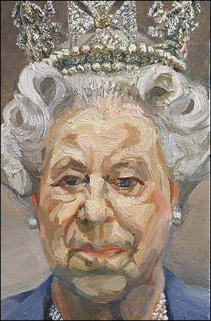 Ce portait de la Reine Elizabeth II réalisé en 2001 par un peintre britannique (1922-2011) a soulevé une polémique en Grande-Bretagne.