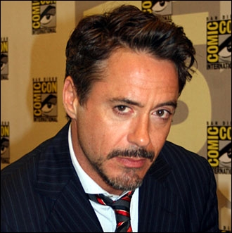 Quel super héros est incarné au cinéma par Robert Downey Jr ?