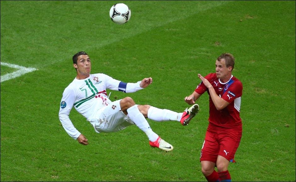Ronaldo s'apprête à effectuer :