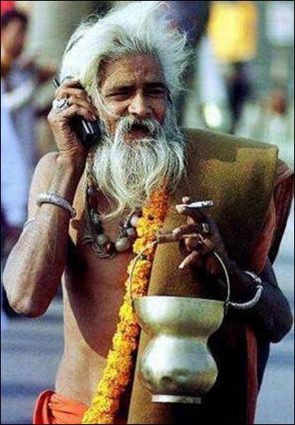 Le premier téléphone mobile a été lancé :