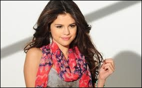 Selena Gomez apparaît dans sa série,  Hannah Montana .