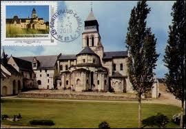 Comment nomme-t-on les habitants de Fontevraud-l'Abbaye ?