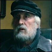 Quel acteur a fait un caméo en pêcheur à la solde d'AngelBay ?