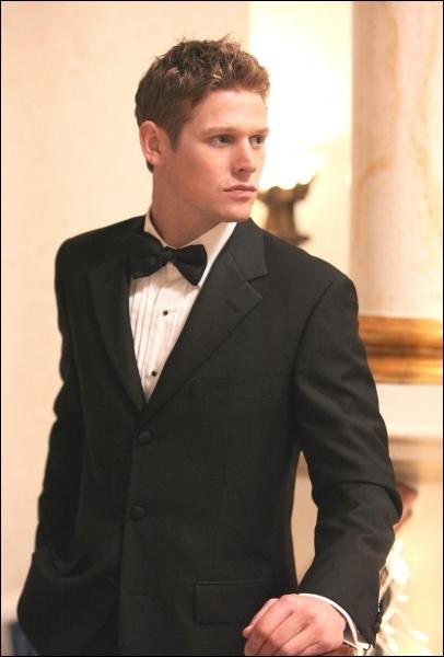 Dans le dernier épisode, qui tue Elena ?